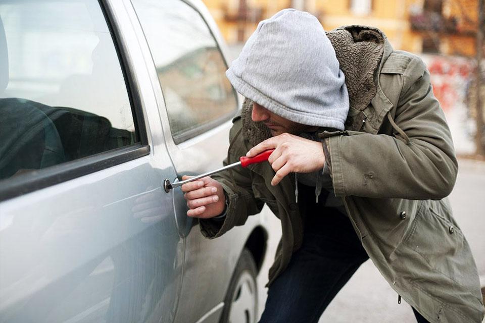 Защита автомобиля от кражи